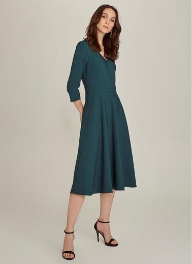 NGSTYLE Essentials - V Yaka Kloş Elbise Yeşil